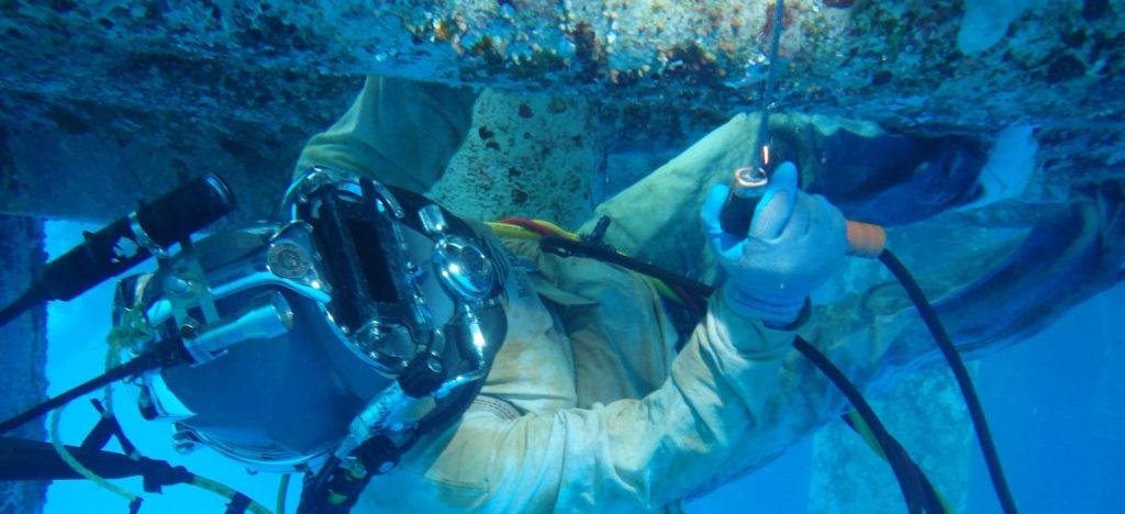 Welding underwater 3